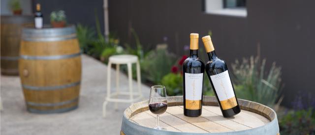 vin rouge inspiration domaine fredavelle bouteille constance élevage barrique vin de garde vigneron indépendant visite cave dégustation route des vins provence eguilles
